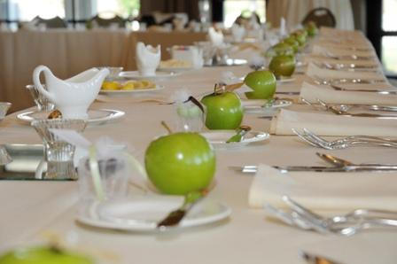 apple table decorations weddings