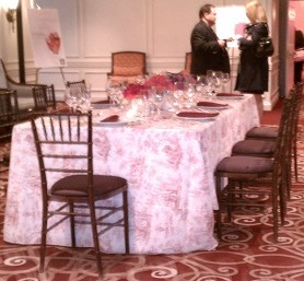 toile tablecloth tablescape