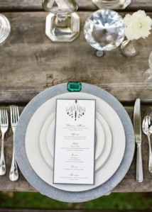 emerald-silver-white-wedding-tablescape