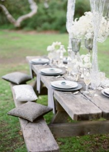 glamorous-picnic-wedding-table-decor