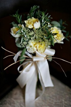 Vermont Winter Wedding Bridal Bouquet Cronin Hill Photography