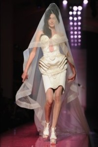 jean paul gaultier winehouse wedding veil 1