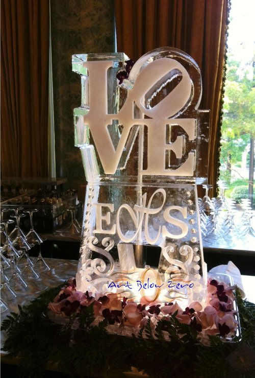 Love ice sculpture Max Zuleta